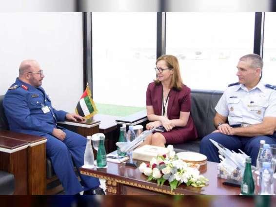 قائد القوات الجوية يستقبل عدداً من ضيوف معرض دبي الدولي للطيران 2019