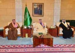 سمو أمير منطقة الرياض يكرم متقاعدي إمارة المنطقة
