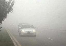 Dense fog blankets plain areas in Punjab, Sindh
