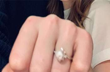 Emma Stone receives whopping $45,000 engagement ring from Dave McCary