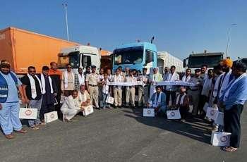 شرطة أبوظبي تنفذ توعية مرورية لسائقي المركبات الثقيلة في الظفرة