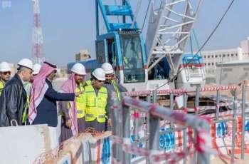 أمين القصيم يوجه بزيادة فرق العمل بمشروع تصريف السيول شرق بريدة