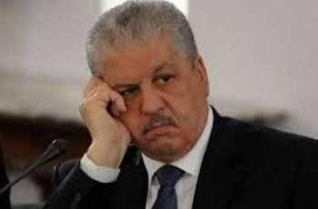 رئیس الوزراء الجزائري السابق عبدالمالک سلال أسال الدموع أمام المحکمة