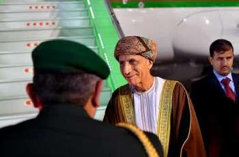 سمو نائب رئيس الوزراء العماني يغادر الرياض