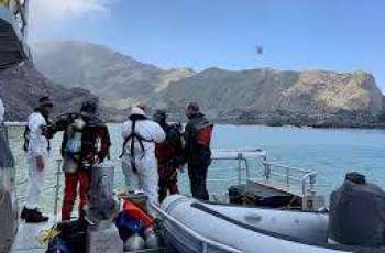 New Zealand volcano: Search resumes for two remaining bodies