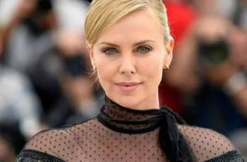 "Charlize Theron saves ""Bombshell"""