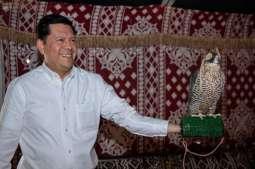 السفير المكسيكي يعبِّر عن سعادته بزيارة مهرجان الملك عبدالعزيز للصقور