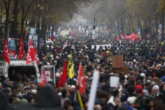 Over 800,000 Join Pension Strike Across France - Interior Ministry