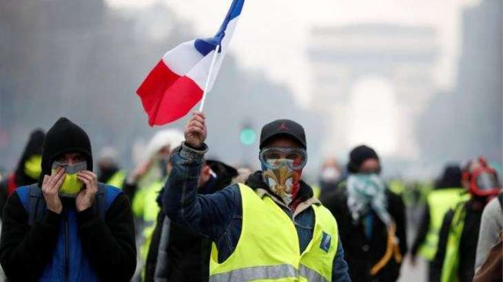 Highways Blocked Across France in Protest Against Possible Fuel Tax Increase - Reports