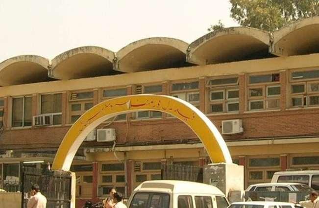 DED of polyclinic hospital irks subordinates