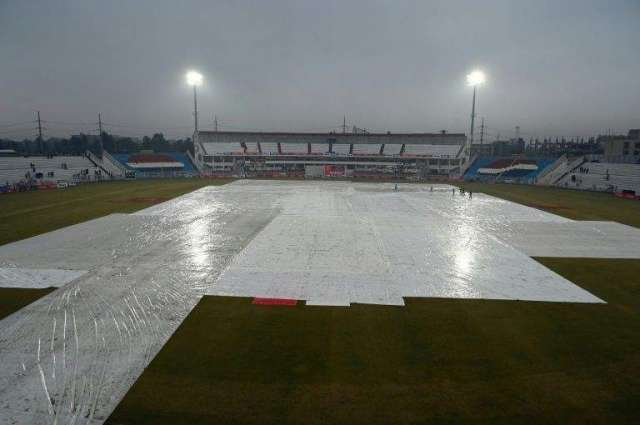 First home Test called off owing to rain, poor light