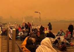 Australia fires: Navy rescues people from fire-hit Mallacoota