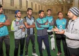 Sarfaraz Ahmed meets Pakistan U19 squad