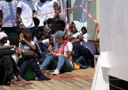 Over 100 Migrants Disembark From NGO Ship in Italy, Lega Party Enraged - Reports