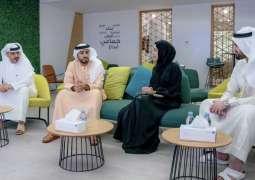 راشد بن حميد يطلع على خطتي المؤسسة الاتحادية للشباب ومركز الشباب العربي