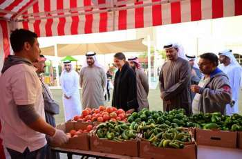 Food Security Minister visits farmer's market in Abu Dhabi