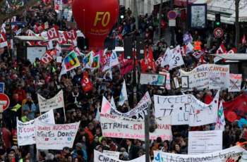 French Trade Union Says Will Suspend Strikes on Most Metro Lines in Paris