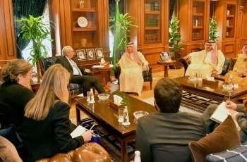 وزير الدولة للشؤون الخارجية يستقبل نائب مساعد وزير الخارجية الأمريكية لشؤون الشرق الأدنى