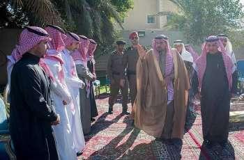 سمو أمير منطقة القصيم يعزي محافظ عنيزة وأسرة السليم في وفاة والدتهم