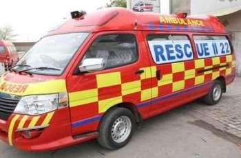 3 die, 2 critically injured in road mishap in Faisalabad