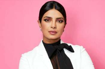 Priyanka Chopra in talks to star alongside Keanu Reeves in 'Matrix 4'