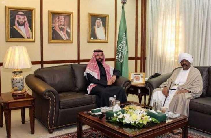 سمو الأمير سلطان بن أحمد يلتقي يلتقي سفير السودان لدى البحرين