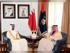 وزير الداخلية البحريني يبحث مع سفير الدولة تعزيز العلاقات الثنائية