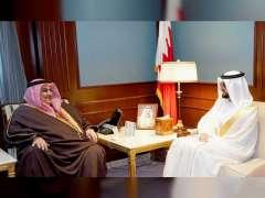 وزير الخارجية البحريني يستقبل سفير الدولة