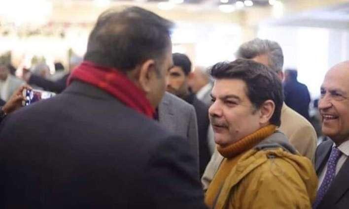 Mubashar Lucman lodges complaint against Fawad Chaudhary for thrashing him