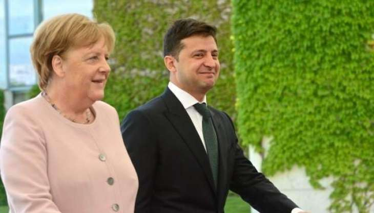 Zelenskyy Tells Merkel by Phone Work Under Way to Form New Lists for Donbas Prisoner Swap