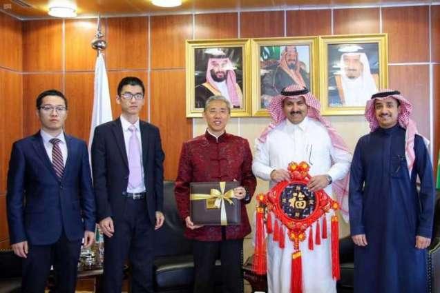 آل جابر يلتقي السفير الصيني لدى اليمن