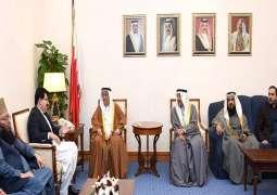 نائب رئیس مجلس الوزراء البحریني محمد بن مبارک آل خلیفة یجتمع مع رئیس مجلس الشیوخ الباکسستاني