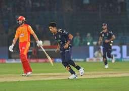 Mohammad Hasnain, Azam Khan star in Quetta Gladiators' three-wicket win over Islamabad United