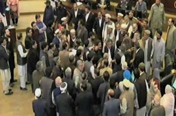 KP Assembly witnesses clash between govt, opposition members