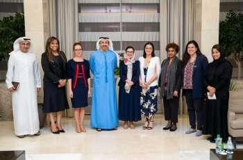 عبدالله بن زايد يستقبل عددا من المندوبات الدائمات لدى الأمم المتحدة