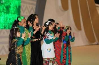 مهرجان الصقور في طريف يسجل أكثر من 4 آلاف زائر