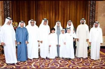 نهيان بن مبارك يحضر أفراح الحمادي والسماحي في دبي