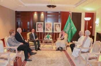 سمو الأمير فيصل بن فرحان يستقبل رئيس الأكاديمية الاتحادية للسياسات الأمنية (BAKS)