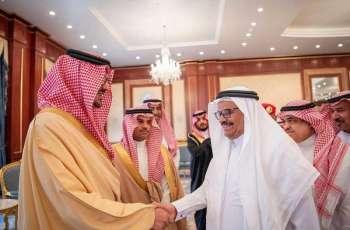 سمو نائب أمير المدينة يكرم ٤٨ متقاعداً من منسوبي إمارة المنطقة