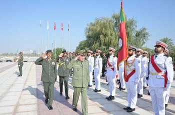 الرميثي يلتقي رئيس أركان الجيش الوطني الشعبي الجزائري بالنيابة