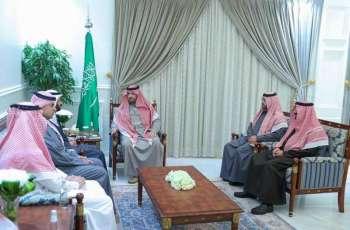 سمو أمير منطقة الحدود الشمالية يستقبل وزير الصحة
