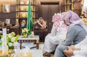 سمو أمير الباحة يستقبل رئيس فريق معهد الإدارة العامة لتطوير إجراءات العمل بإمارة المنطقة والمحافظات والمراكز التابعة