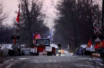 Canadian Police Move to Clear Anti-Pipeline Protest Blocking Rail Corridor in Ontario