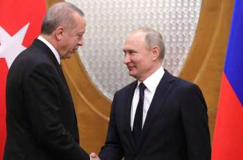 Erdogan Says Asked Putin to Leave Turkey Dealing With Damascus 'One on One'