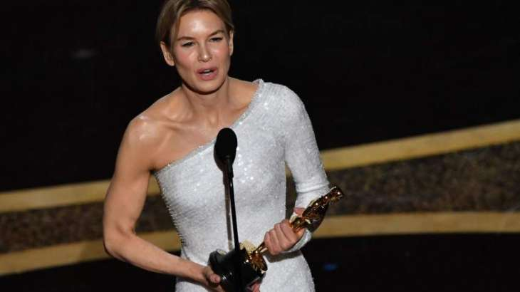Zellweger caps magical comeback with second Oscar