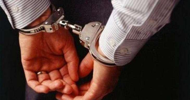 القبض علي باکستاني بتھمة سرقة منازل في المملکة العربیة السعودیة