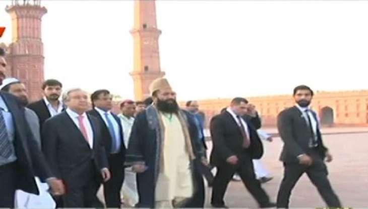 الأمین العام لأمم المتحدة أنطونیو غویترس یزور المسجد الملکي بمدینة لاھور بباکستان