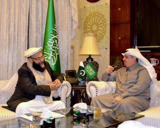 رئیس مجلس علماء باکستان حافظ طاھر أشرفي یلتقي سفیر المملکة العربیة السعودیة لدي اسلام آباد
