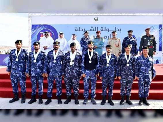 قائد شرطة الشارقة يكرم الفائزين بمسابقة الرماية التكتيكية لدول التعاون