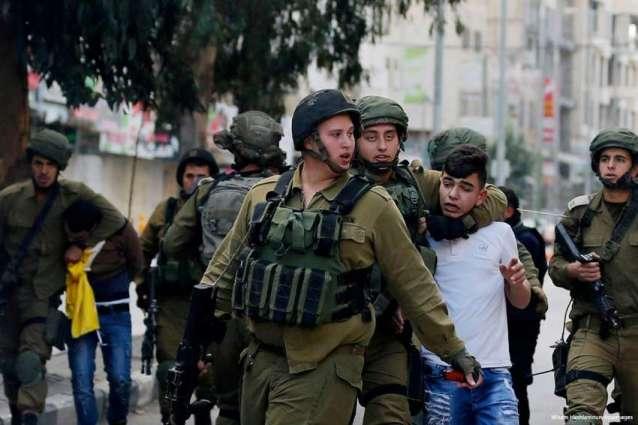 Israeli forces arrest 12 Palestinians in West Bank